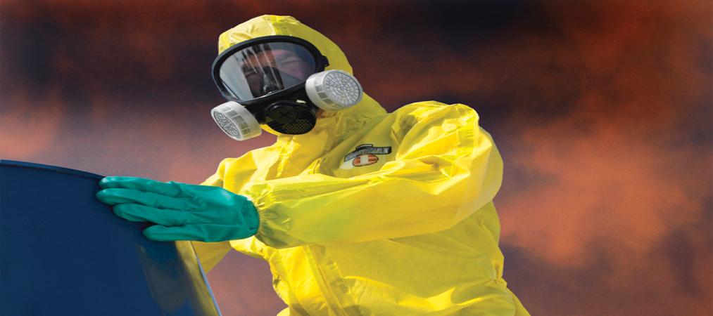 Ácidos y Peligrosos, riesgos que se enfrentan si no hay un manejo adecuado de los corrosivos.