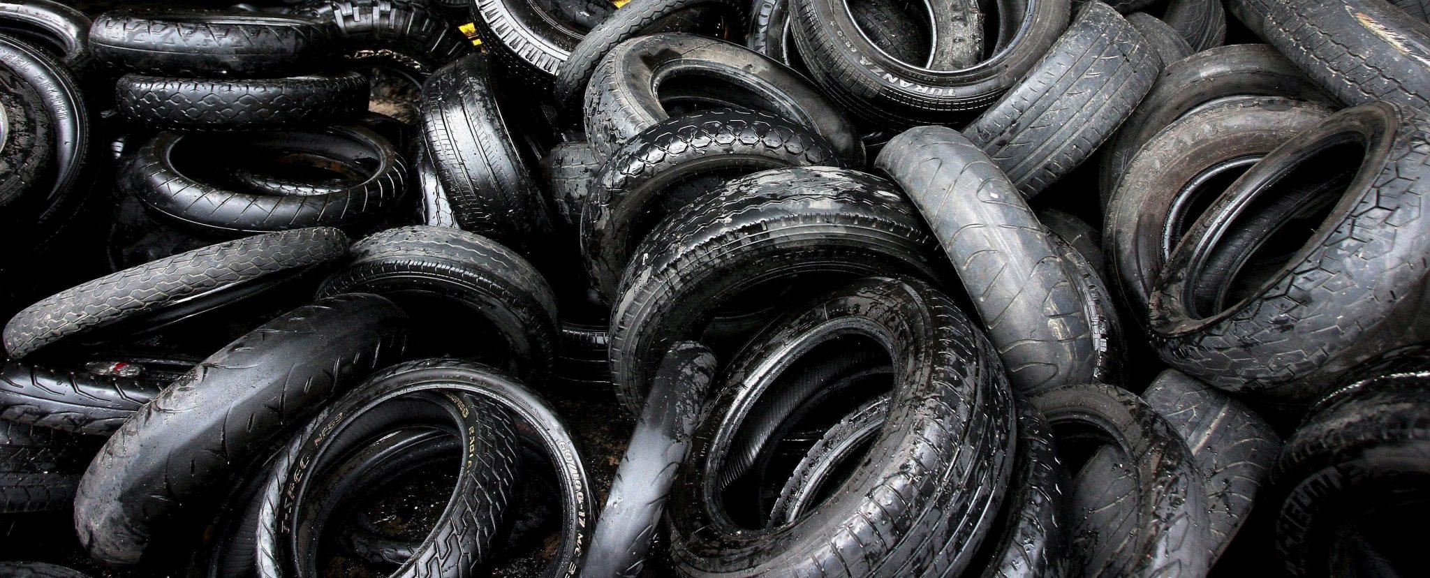Neumáticos quemados, una amenaza latente para el medio ambiente y la comunidad.