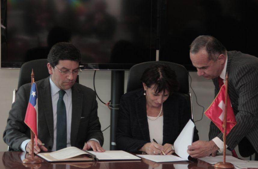 Chile y Suiza comprometen trabajo conjunto para enfrentar el cambio climático