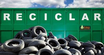 Conoce la forma correcta de desechar los neumáticos de tu auto